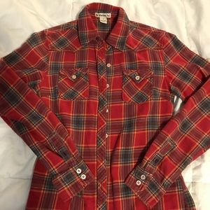 Hardly worn form fit flannel